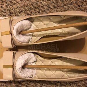 New MICHAEL KORS Women's Mid- Heel Size 5M (35M)